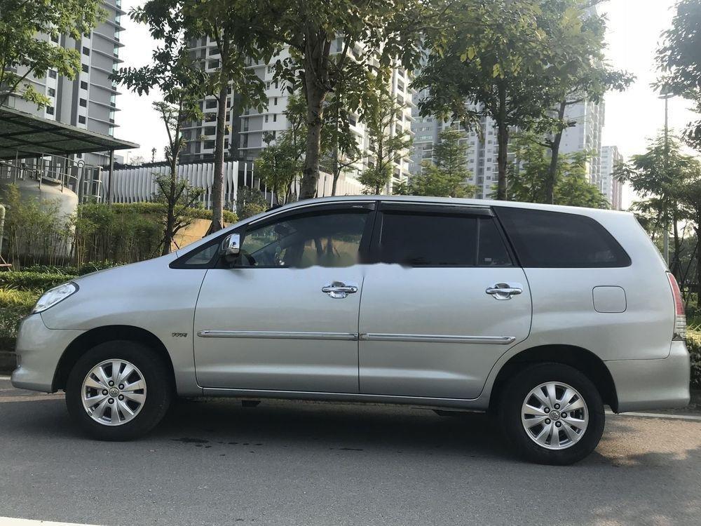 Bán Toyota Innova đời 2011, màu bạc xe nguyên bản 420tr (4)