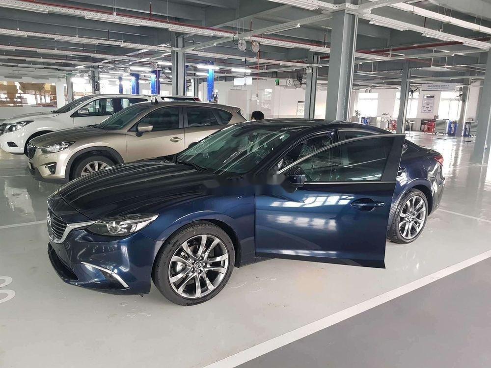 Cần bán gấp Mazda 6 sản xuất năm 2019, màu đen xe nguyên bản (2)