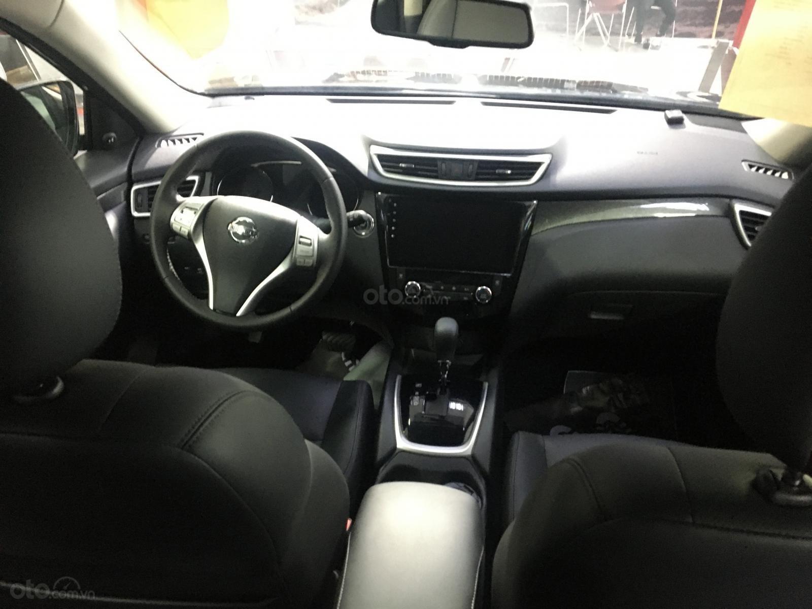Nissan XTrail 2.5SV thời trang năng động, ưu đãi khuyến mãi đặc biệt- Liên hệ hotline: 0935197022 (3)