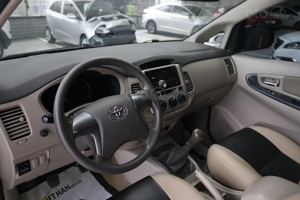 Toyota Innova E 2.0MT 2016, trả góp 70%, bao test (8)
