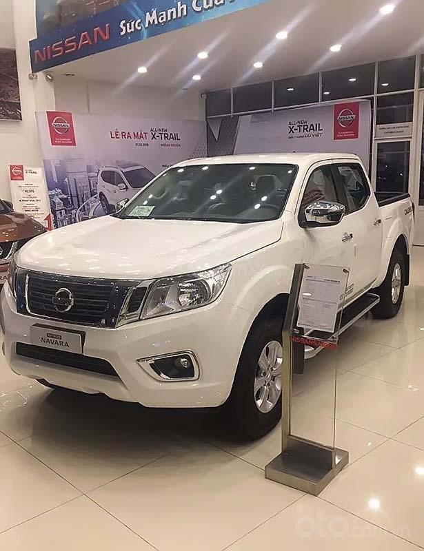 Bán Nissan Navara sản xuất năm 2019, màu trắng, nhập khẩu (1)