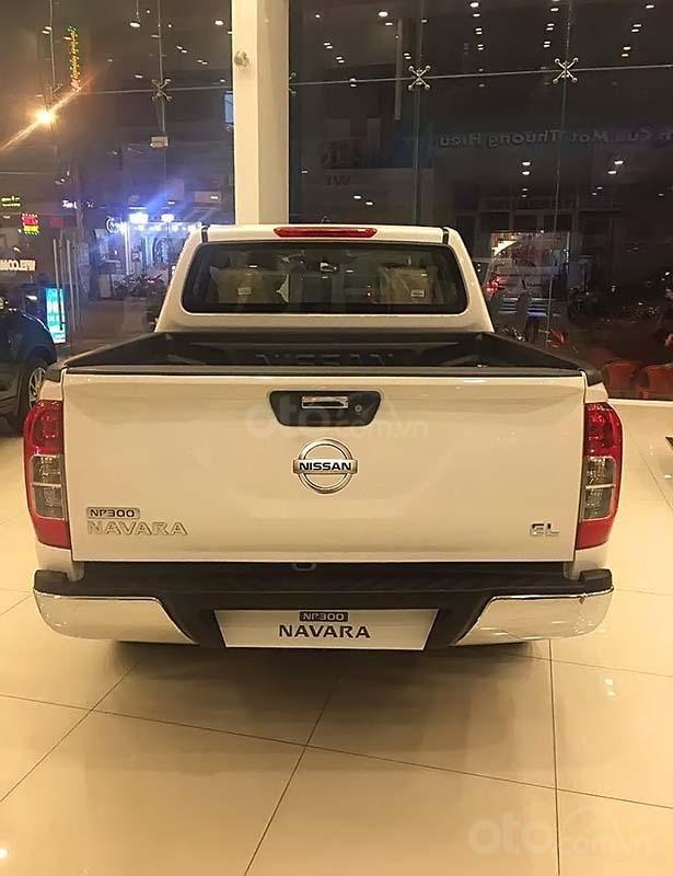 Bán Nissan Navara sản xuất năm 2019, màu trắng, nhập khẩu (2)