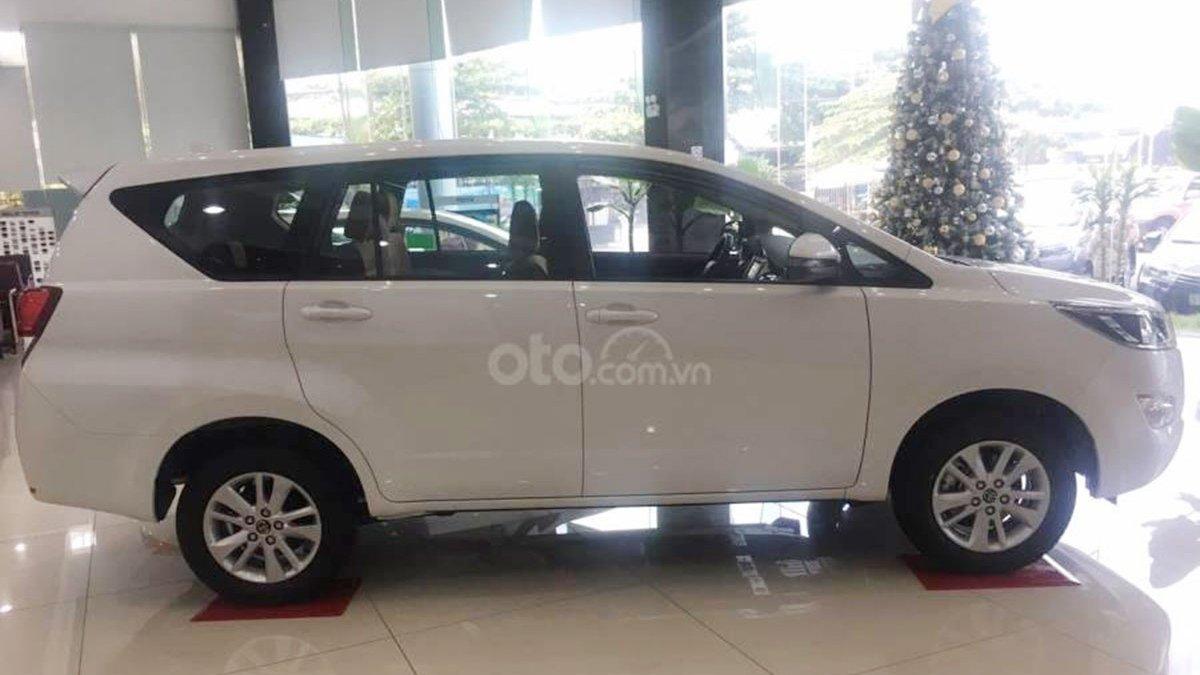 So sánh xe Ford Tourneo 2019 và Toyota Innova 2019 a7