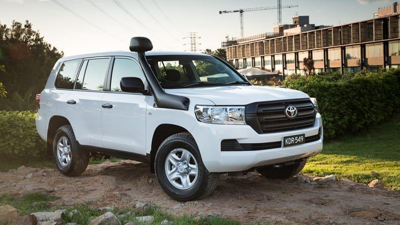 Chi tiết giá và thông số kỹ thuật của Toyota LandCruiser 200 Series  phiên bản 2020