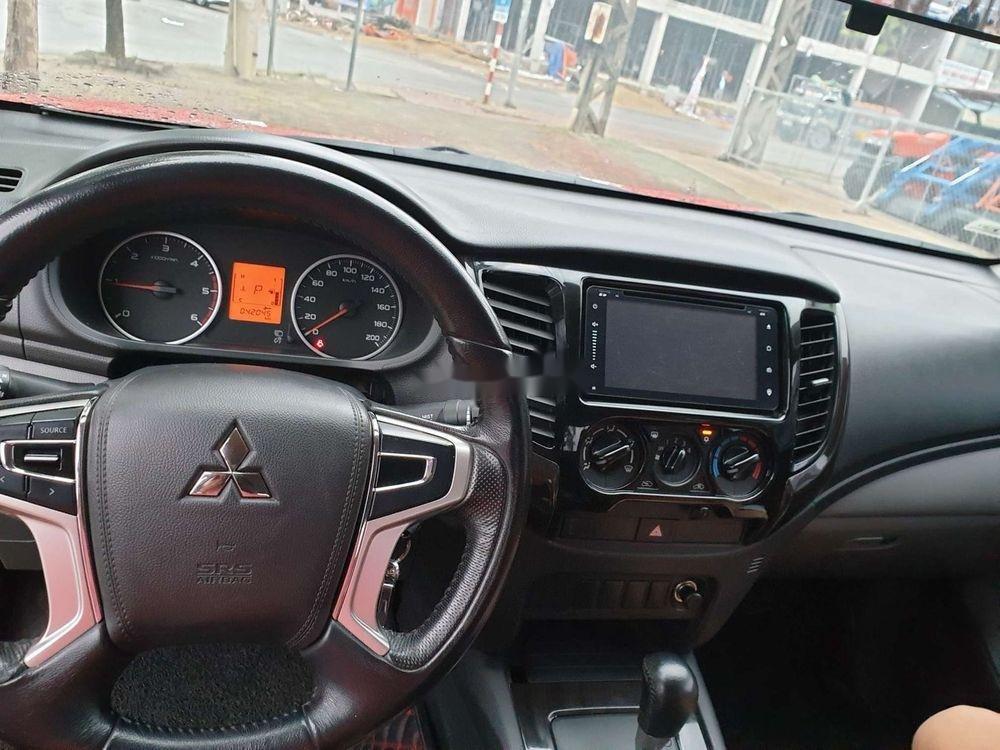 Bán Mitsubishi Triton GLX AT năm 2017, màu đỏ, nhập khẩu số tự động (4)