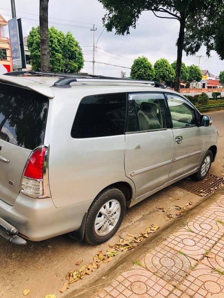 Cần bán xe Toyota Innova MT sản xuất 2009, màu bạc (4)