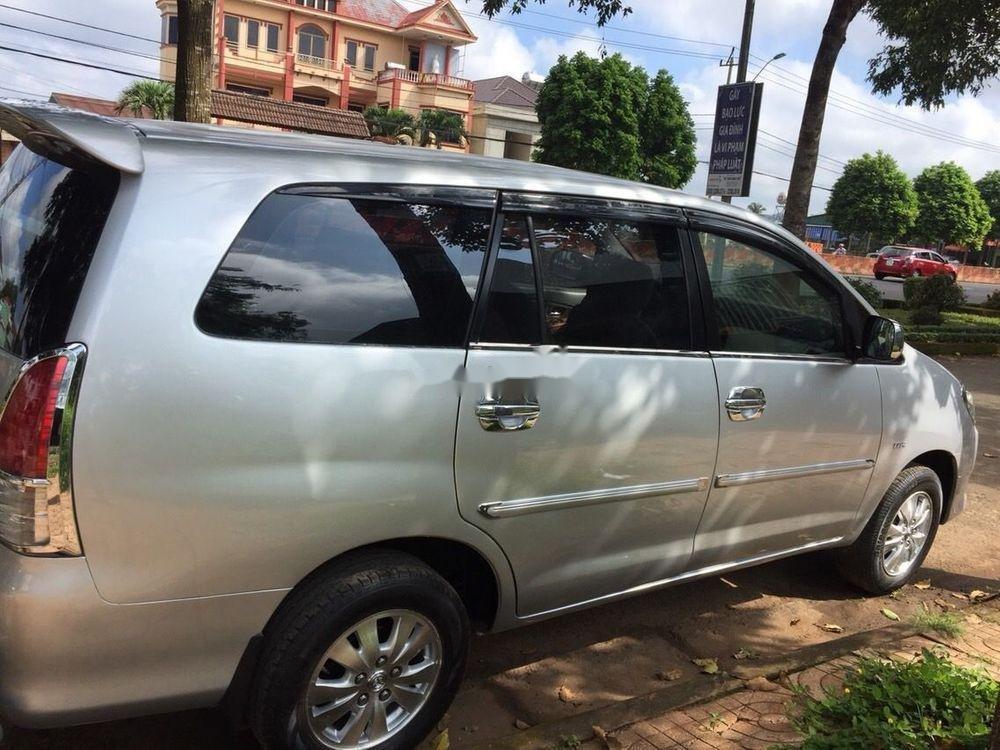 Cần bán xe Toyota Innova MT sản xuất 2009, màu bạc (1)