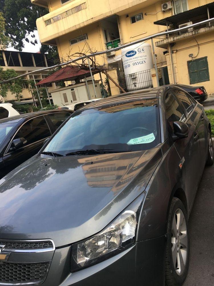 Bán Chevrolet Cruze đời 2010, màu xám chính chủ, giá tốt xe nguyên bản (1)