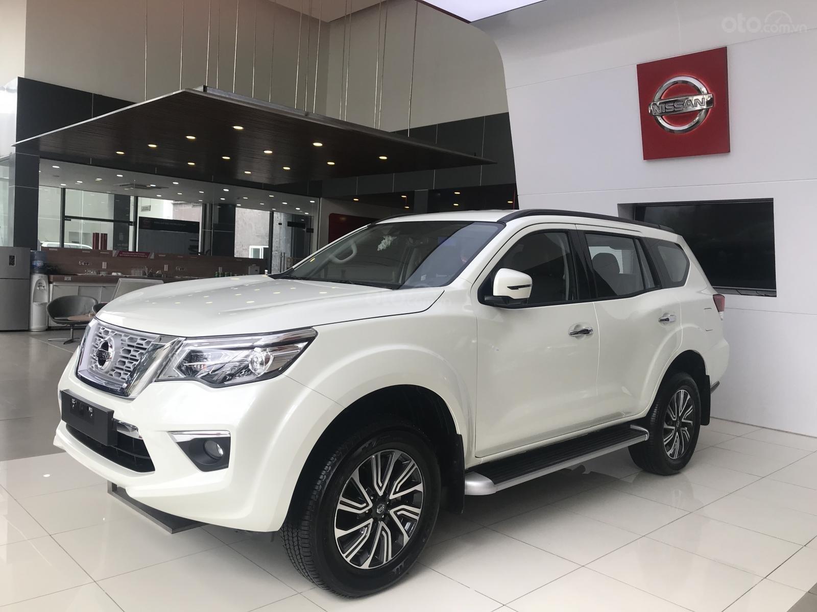 Bán ô tô Nissan X Terra V 4WD năm sản xuất 2019, màu trắng, xe nhập (1)