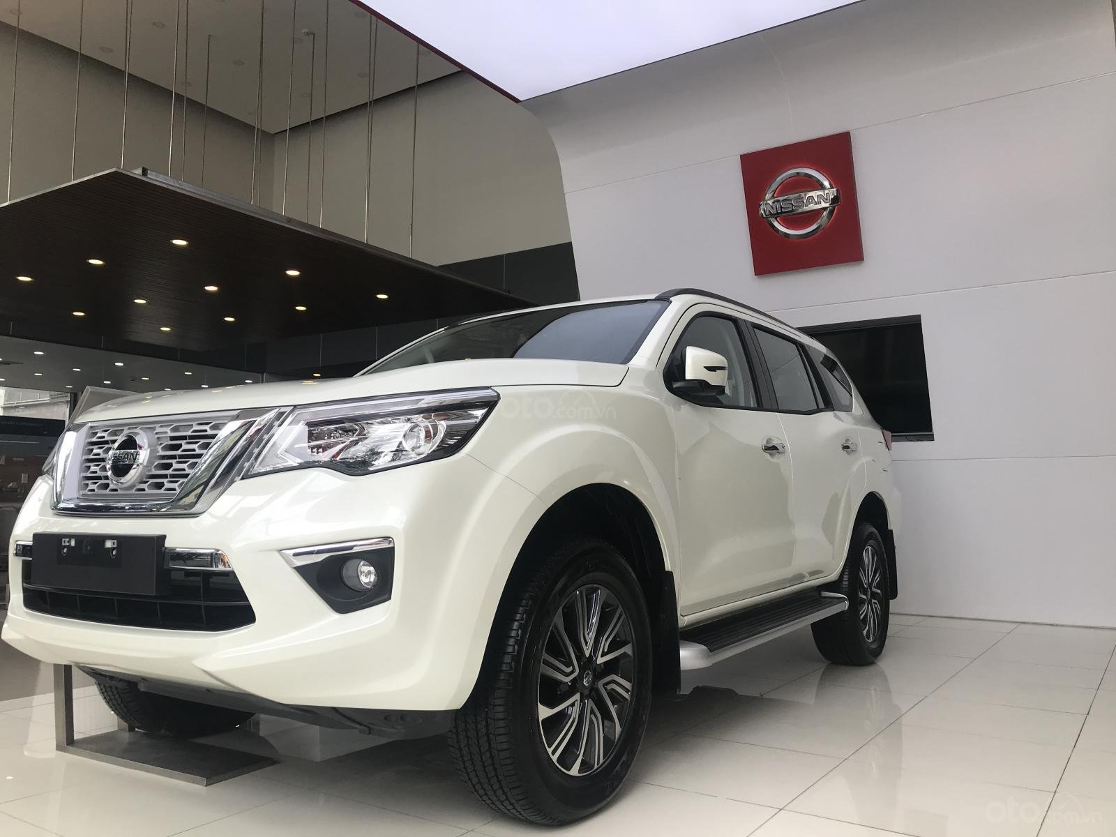Bán ô tô Nissan X Terra V 4WD năm sản xuất 2019, màu trắng, xe nhập (2)