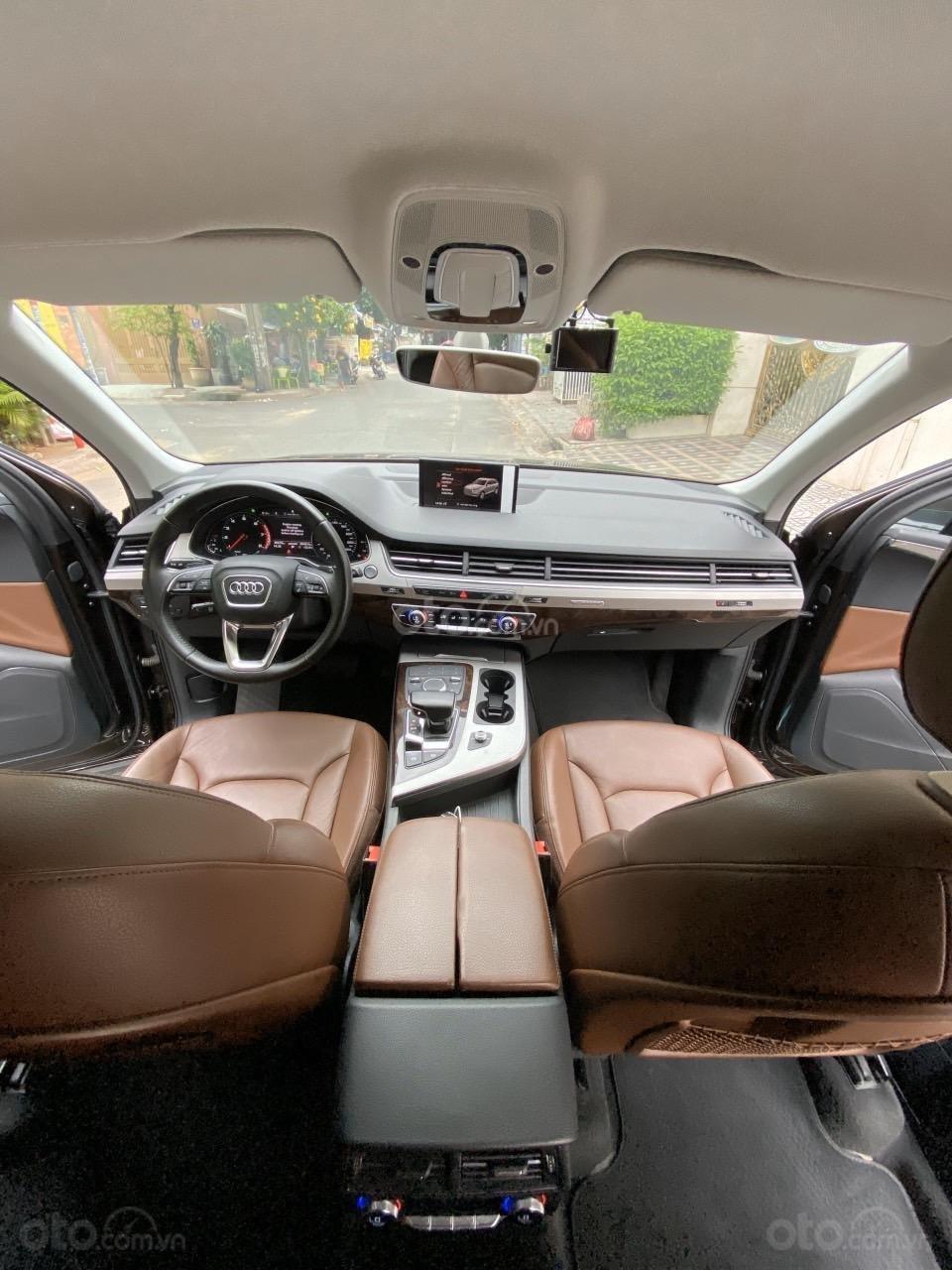 Cần bán chiếc xe Audi Q7 3.0, đời 2017, màu nâu (5)