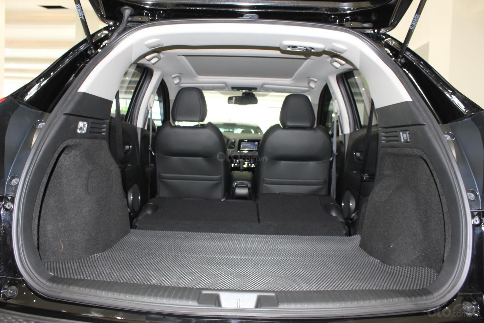 Cần bán xe Honda HR-V bản L 1.8AT SX 2018, màu đen, nhập Thái, siêu lướt 1300km, biển SG (12)