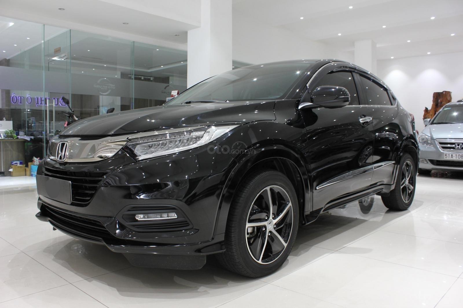Cần bán xe Honda HR-V bản L 1.8AT SX 2018, màu đen, nhập Thái, siêu lướt 1300km, biển SG (2)
