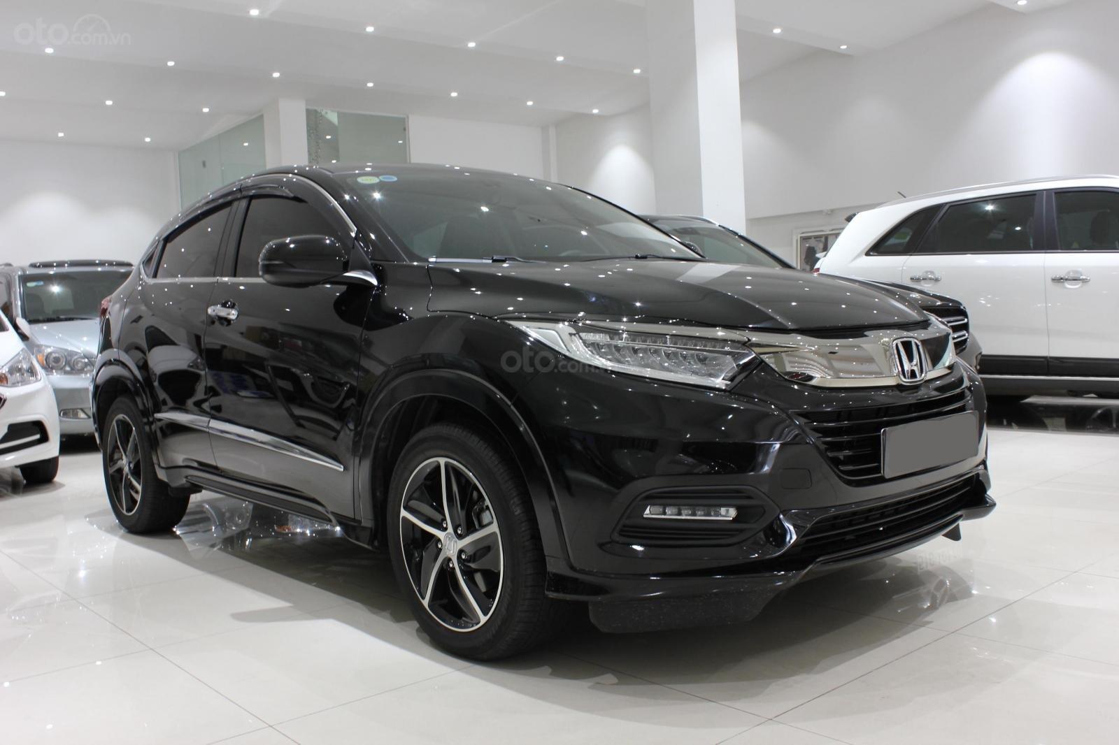 Cần bán xe Honda HR-V bản L 1.8AT SX 2018, màu đen, nhập Thái, siêu lướt 1300km, biển SG (3)