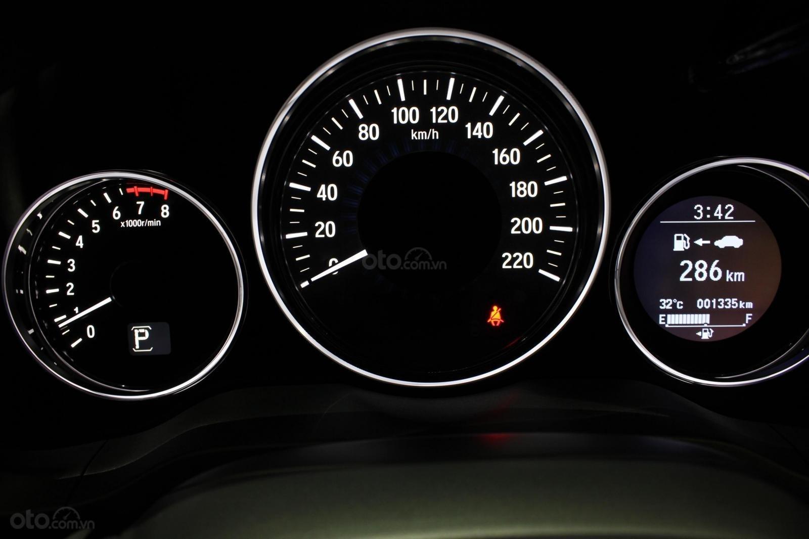 Cần bán xe Honda HR-V bản L 1.8AT SX 2018, màu đen, nhập Thái, siêu lướt 1300km, biển SG (11)