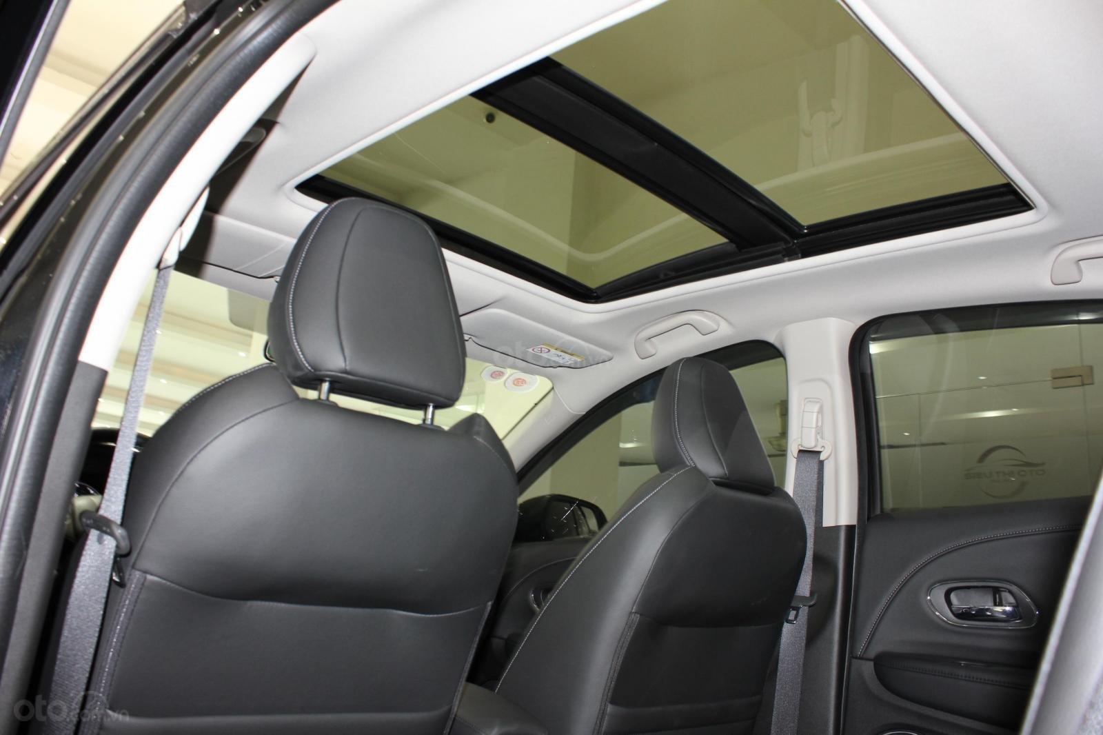 Cần bán xe Honda HR-V bản L 1.8AT SX 2018, màu đen, nhập Thái, siêu lướt 1300km, biển SG (15)