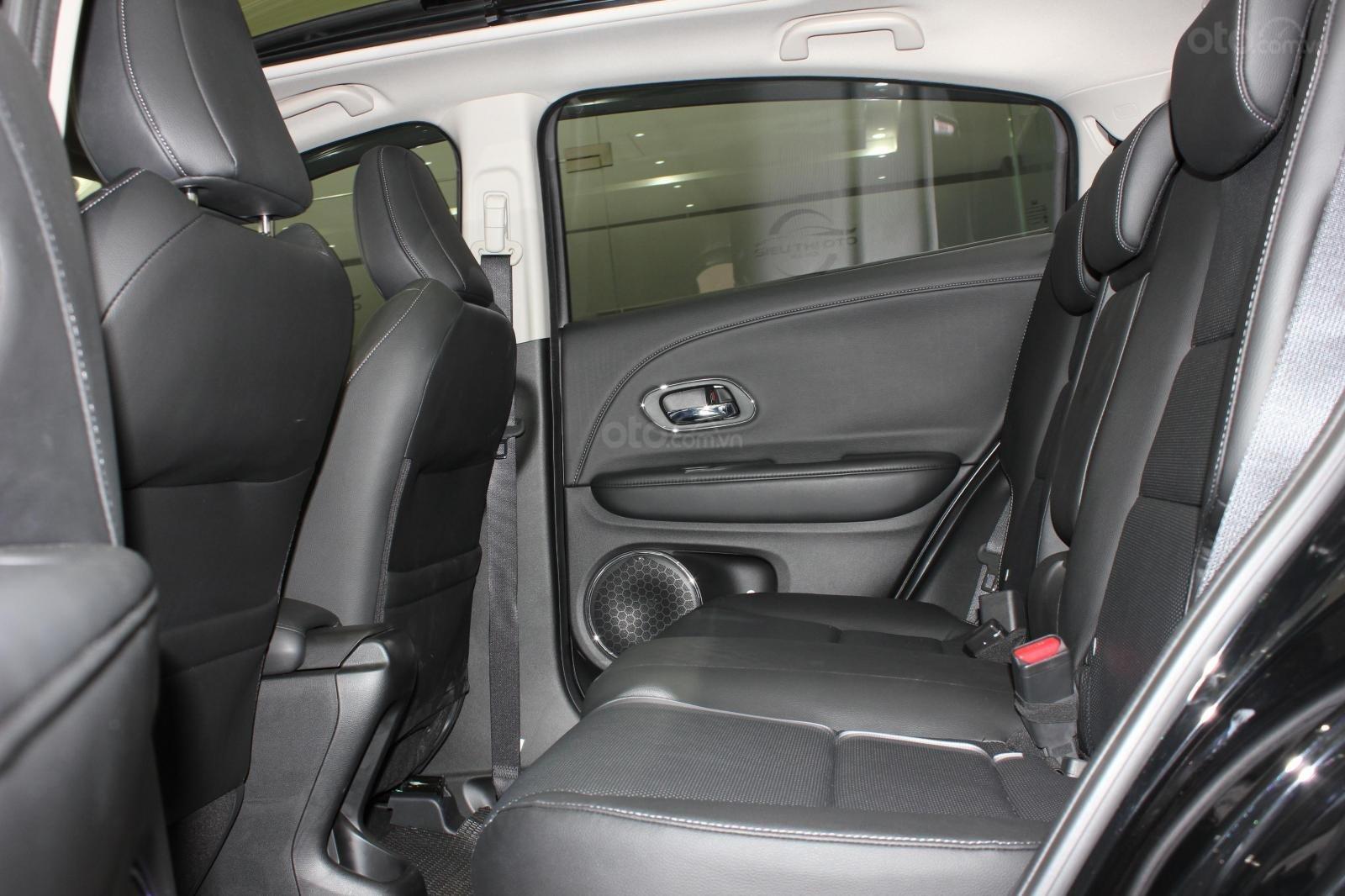 Cần bán xe Honda HR-V bản L 1.8AT SX 2018, màu đen, nhập Thái, siêu lướt 1300km, biển SG (17)