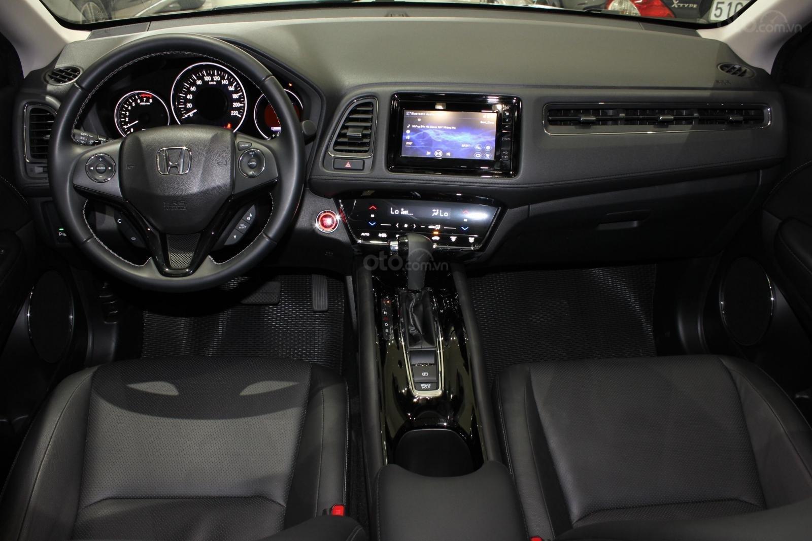 Cần bán xe Honda HR-V bản L 1.8AT SX 2018, màu đen, nhập Thái, siêu lướt 1300km, biển SG (7)