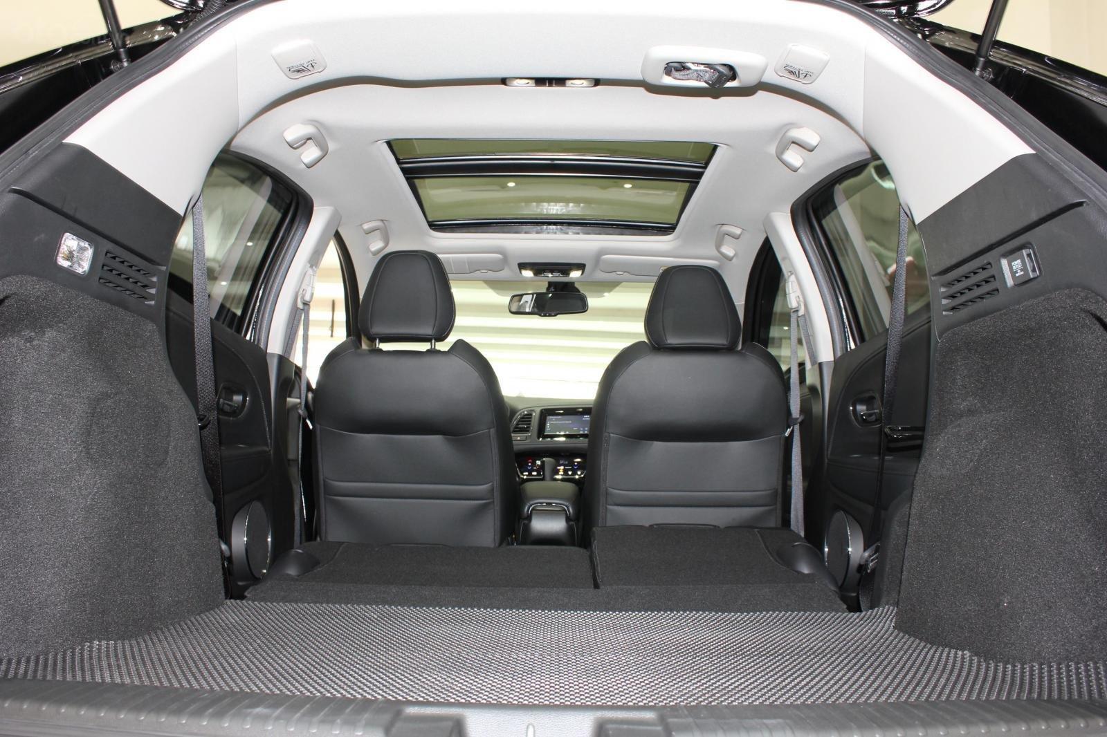 Cần bán xe Honda HR-V bản L 1.8AT SX 2018, màu đen, nhập Thái, siêu lướt 1300km, biển SG (19)