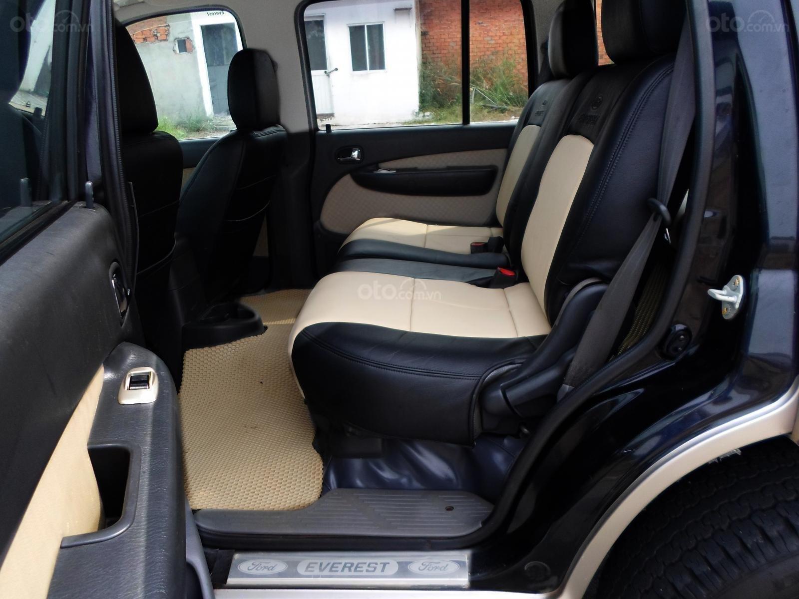 Chính chủ cần bán Ford Everest Ford Everest 2.5L 4x2 MT đời 2005, màu đen, giá tốt (7)