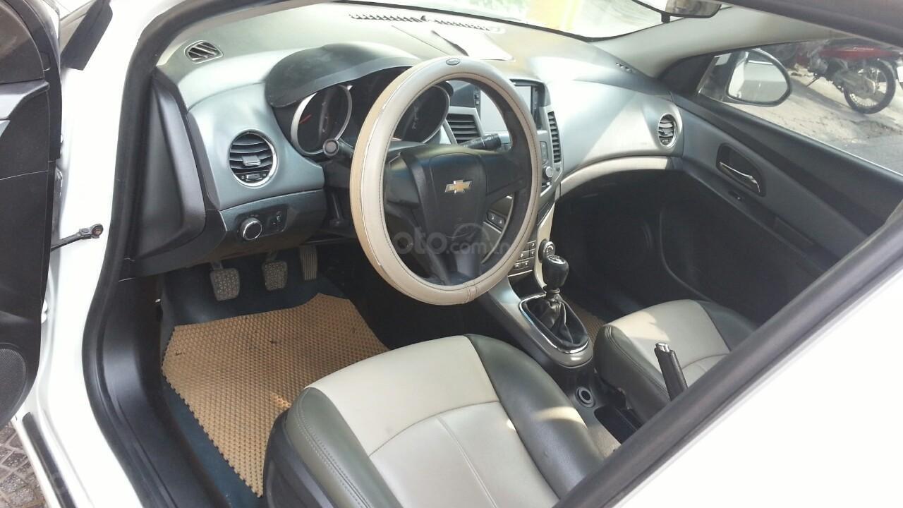 Bán Chevrolet Cruze sản xuất năm 2012 1.6L, màu trắng, có thương lượng (4)