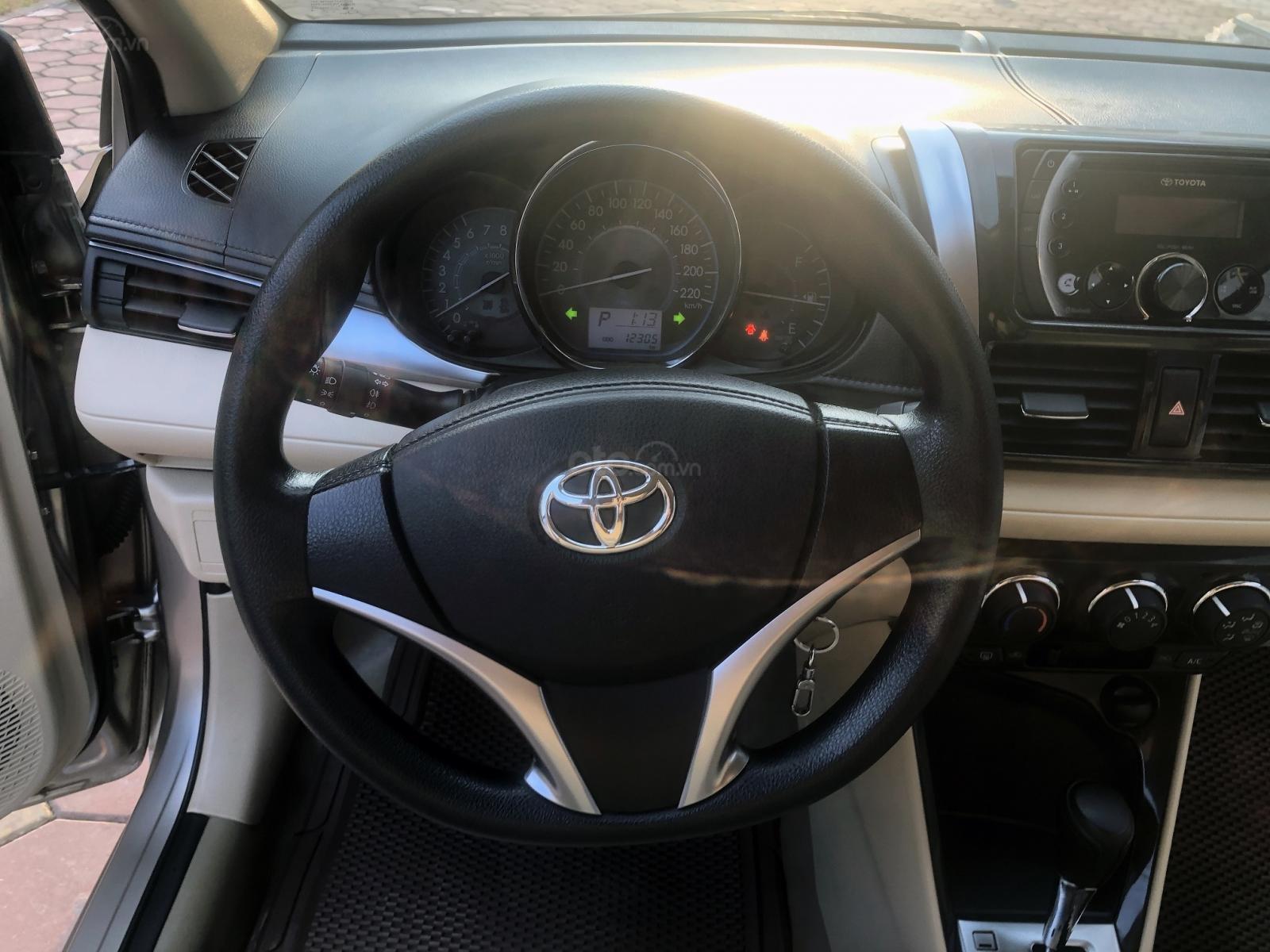 Bán xe Toyota Vios 1.5 E số tự động, siêu lướt (8)
