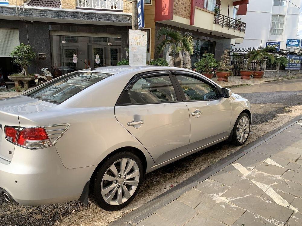 Cần bán gấp Kia Forte SX 2010, màu bạc số sàn (5)