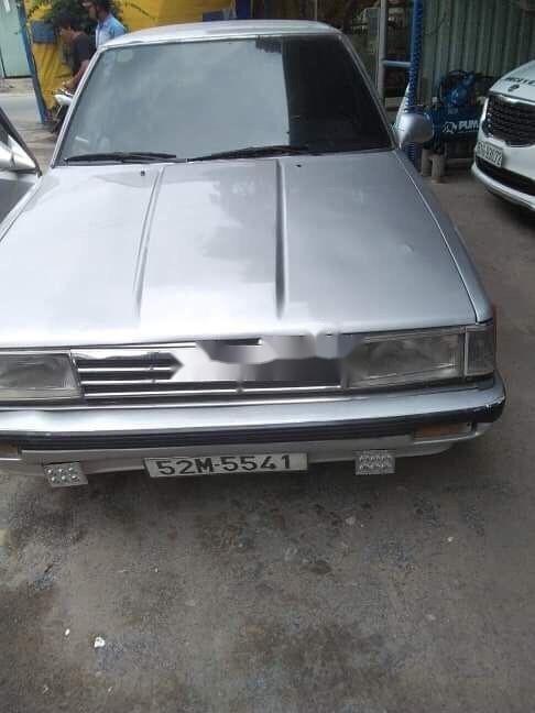 Bán xe Toyota Camry sản xuất 1986, màu bạc xe nguyên bản (2)