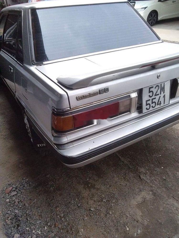 Bán xe Toyota Camry sản xuất 1986, màu bạc xe nguyên bản (3)