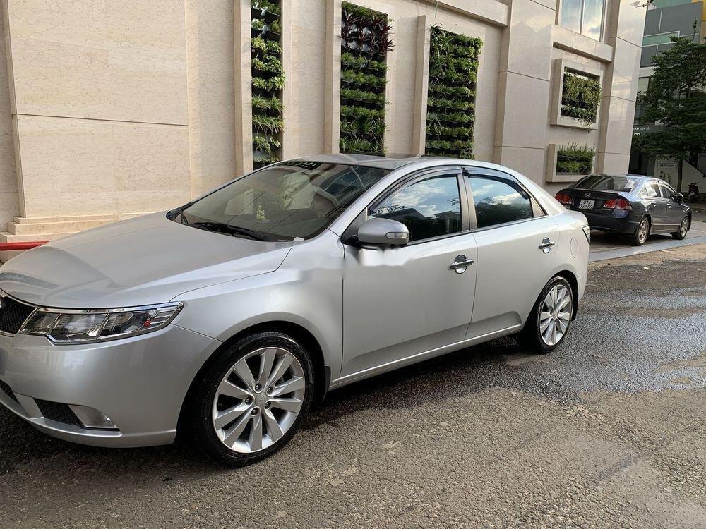 Cần bán gấp Kia Forte SX 2010, màu bạc số sàn (3)