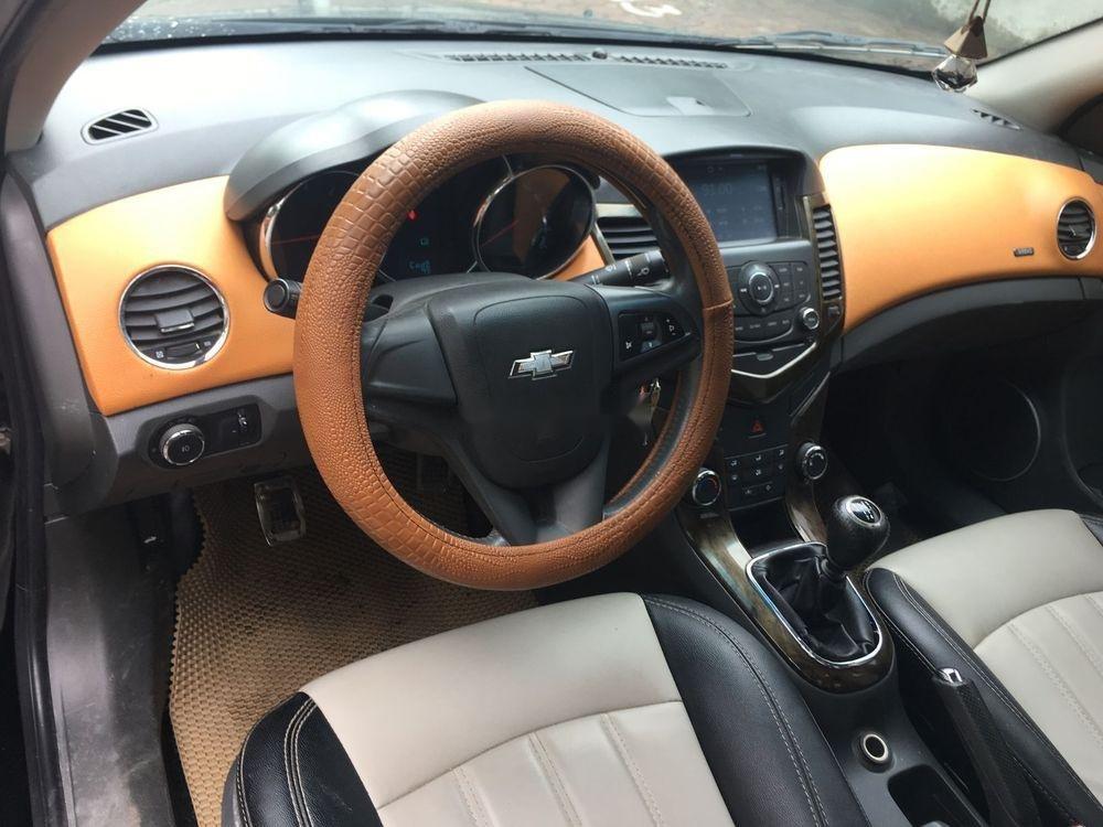 Cần bán Chevrolet Cruze MT đời 2010, giá chỉ 275 triệu (2)