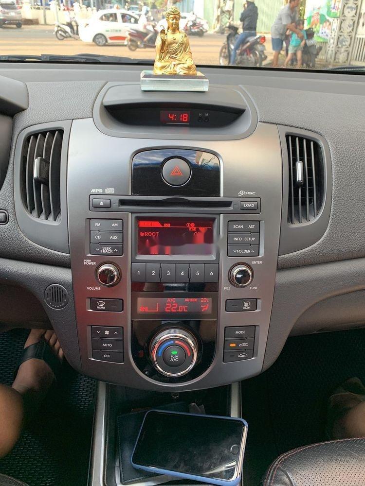 Cần bán gấp Kia Forte SX 2010, màu bạc số sàn (7)