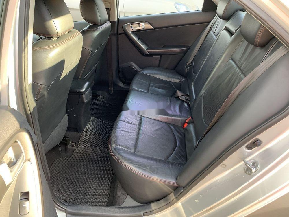 Cần bán gấp Kia Forte SX 2010, màu bạc số sàn (8)
