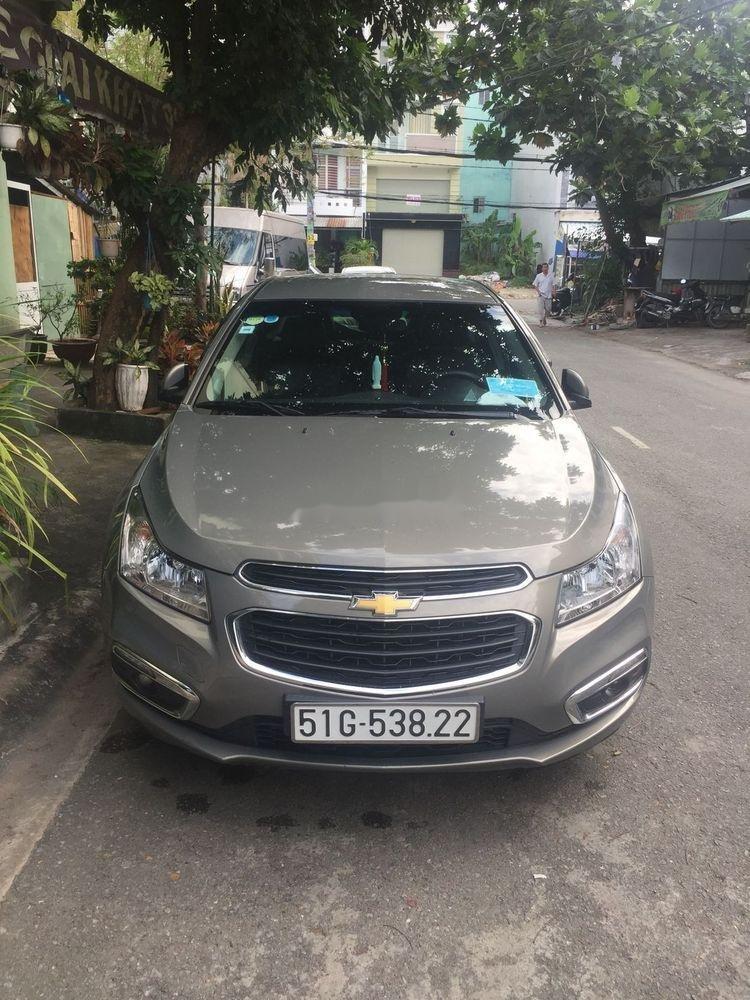 Cần bán xe Chevrolet Cruze 2018, màu bạc xe nguyên bản (2)