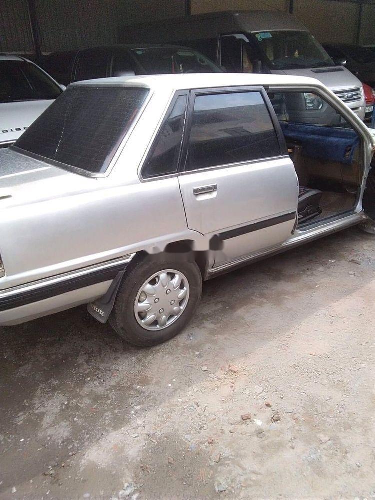 Bán xe Toyota Camry sản xuất 1986, màu bạc xe nguyên bản (4)