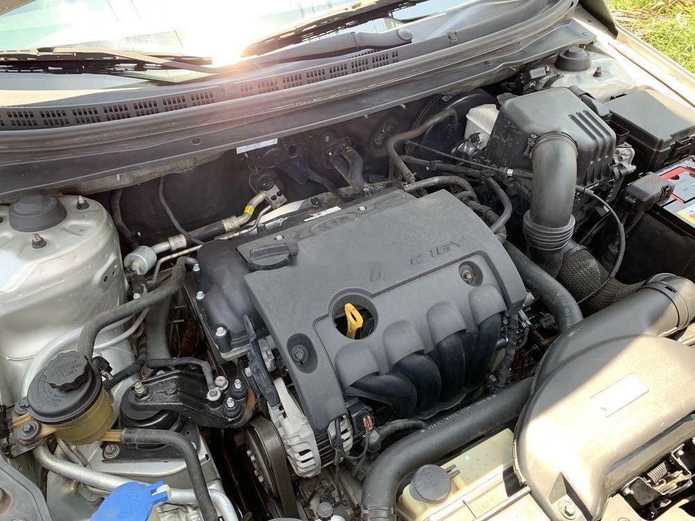 Cần bán gấp Kia Forte SX 2010, màu bạc số sàn (11)