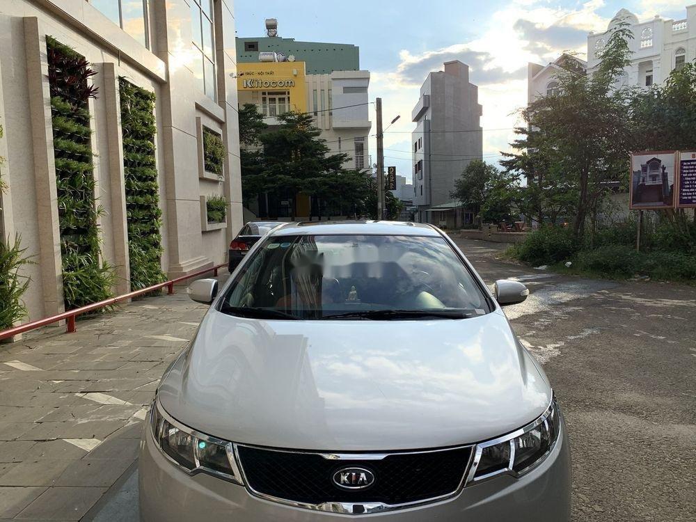 Cần bán gấp Kia Forte SX 2010, màu bạc số sàn (1)