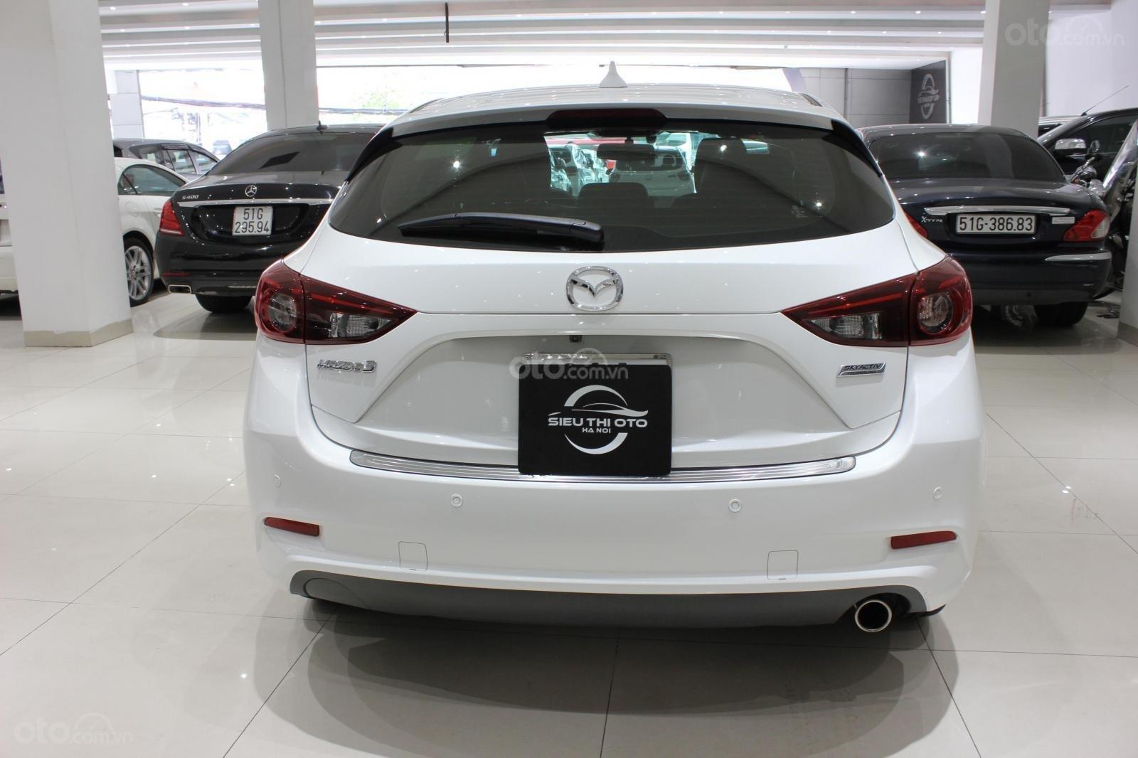 Chính chủ cần bán Mazda 3 2017 bản hatchback màu trắng, số tự động, full option (3)