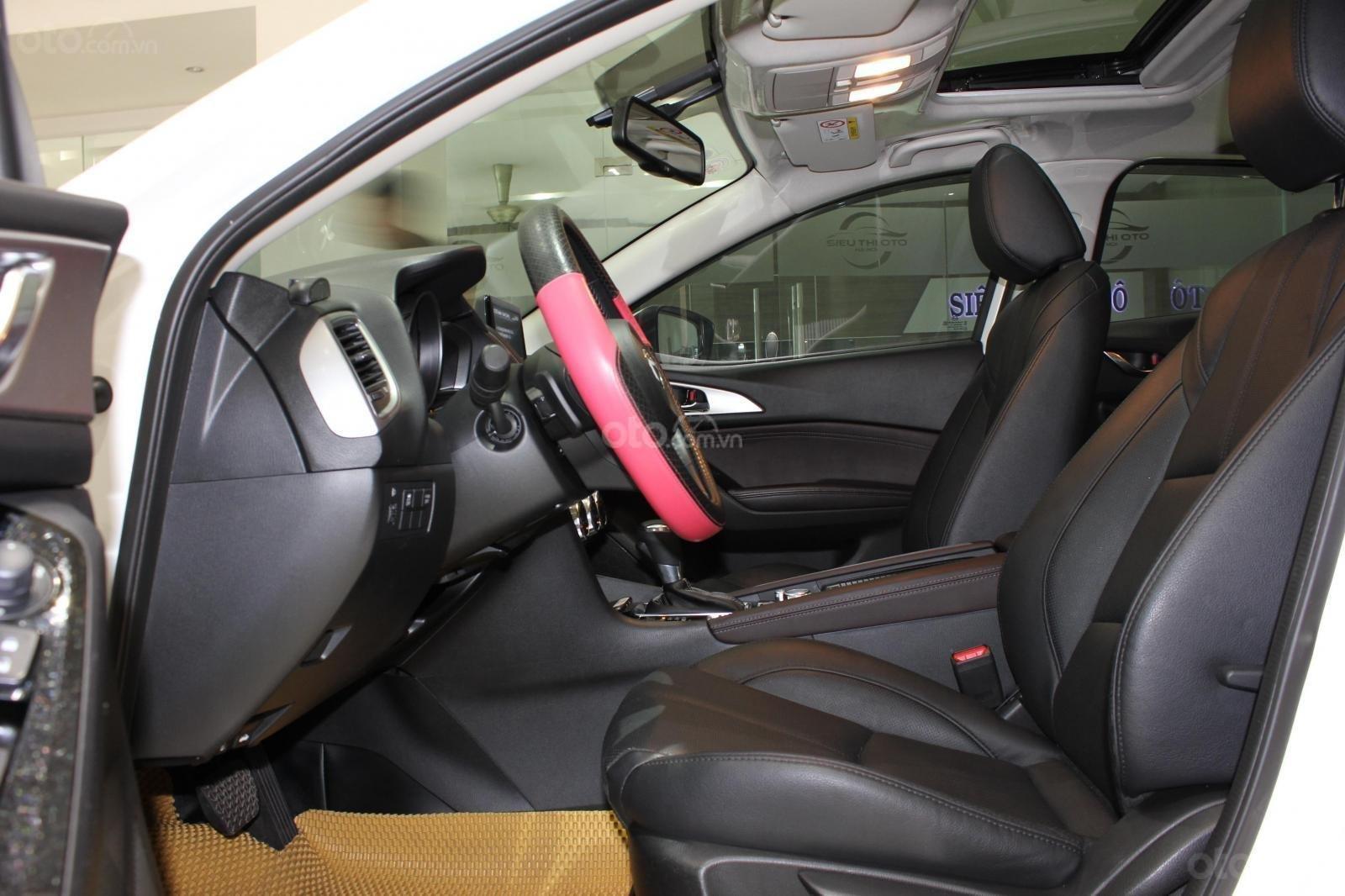 Chính chủ cần bán Mazda 3 2017 bản hatchback màu trắng, số tự động, full option (17)