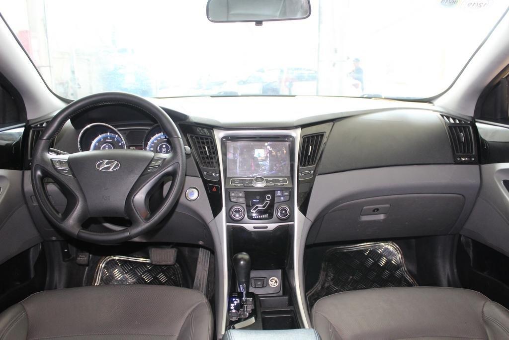 Hyundai Sonata 2.0AT 2012, xe đã kiểm định chất lượng, bao chạy và test (8)