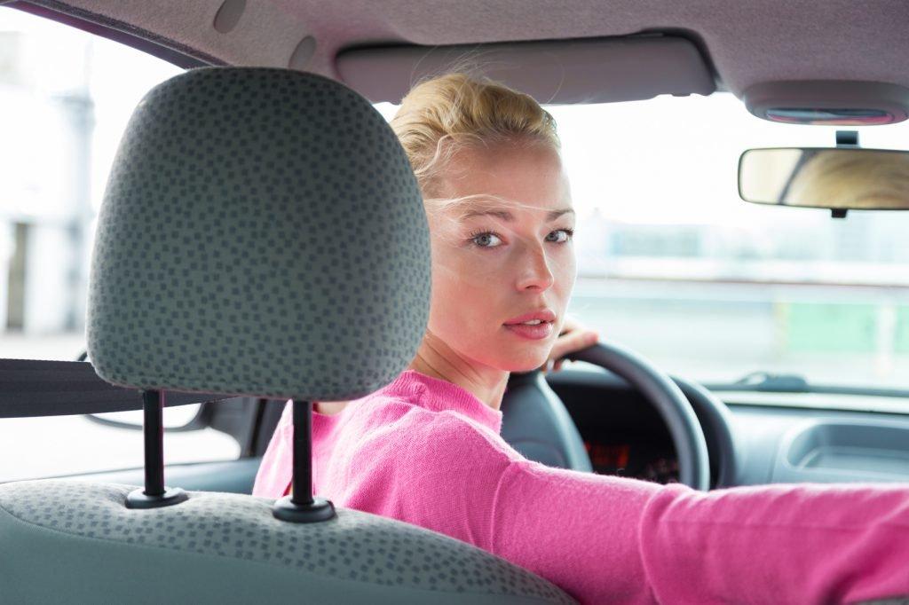 Có nên lùi xe với tốc độ cao?.