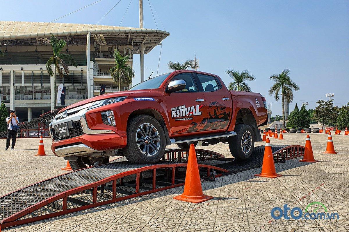 Giá lăn bánh xe Mitsubishi Triton 2020 mới nhất tại Việt Nam a1