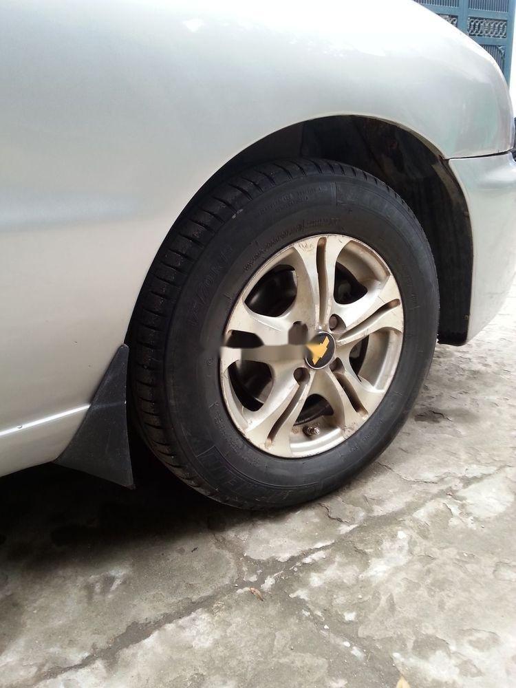 Cần bán Daewoo Lanos đời 2000, màu bạc xe nguyên bản (2)