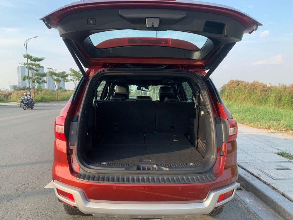 Cần bán Ford Everest sản xuất năm 2018, màu đỏ, xe nhập chính hãng (5)