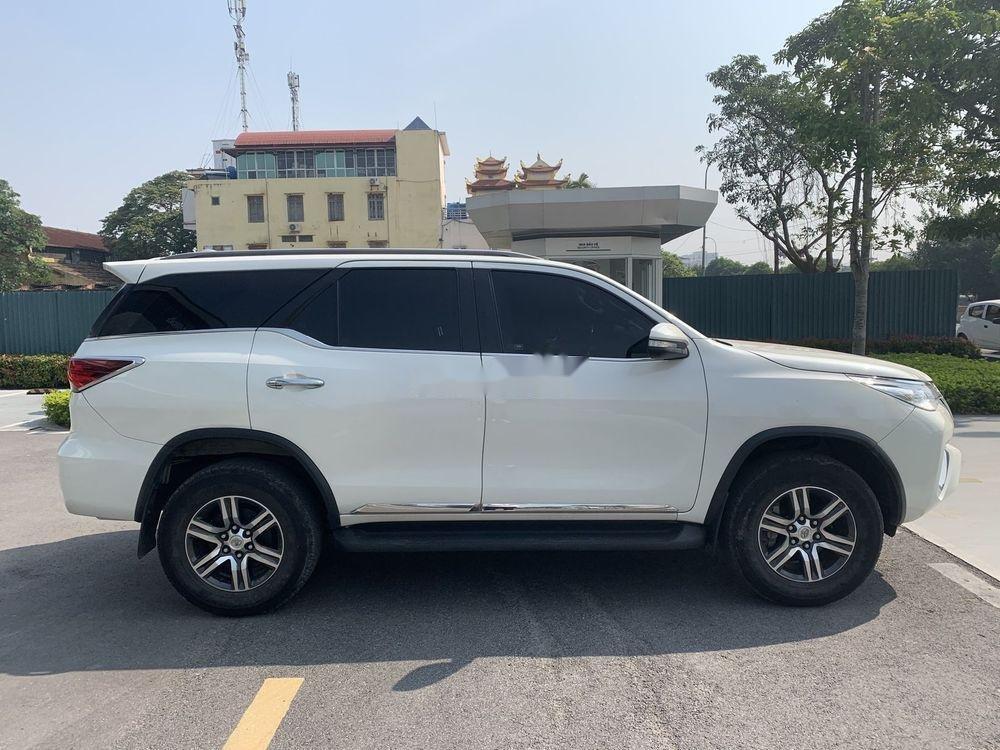 Cần bán gấp Toyota Fortuner đời 2017, màu trắng, nhập khẩu chính hãng (4)