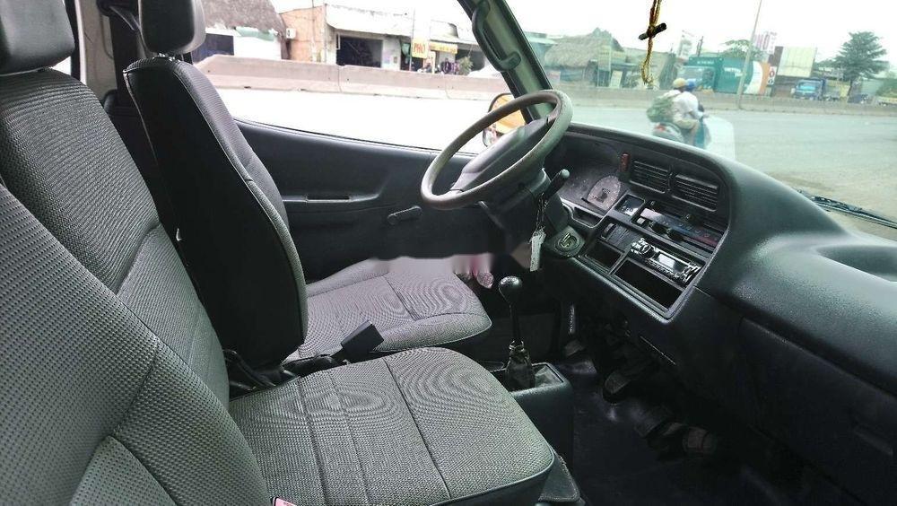 Bán Toyota Hiace sản xuất 2005, màu trắng, nhập khẩu chính hãng (7)