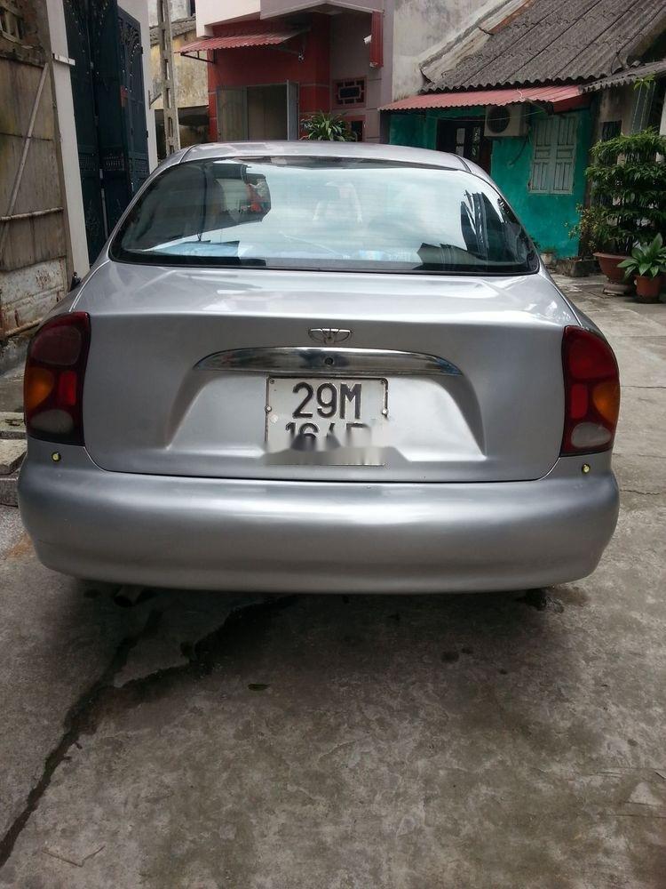 Cần bán Daewoo Lanos đời 2000, màu bạc xe nguyên bản (1)
