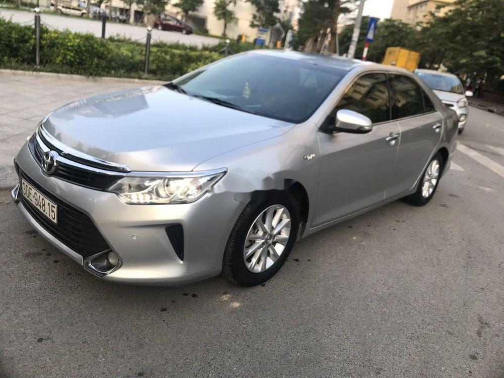 Bán Toyota Camry sản xuất 2015 xe nguyên bản (1)