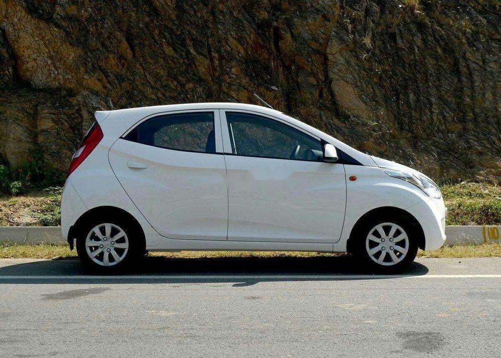 Bán ô tô Hyundai Eon sản xuất 2014, màu trắng, xe nhập chính hãng (1)