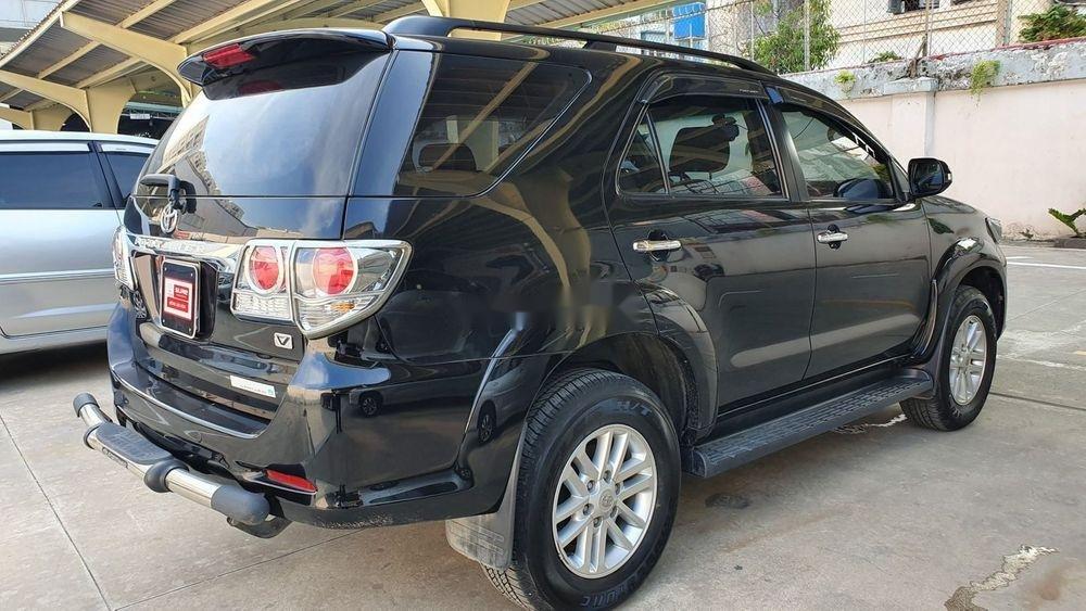 Bán xe Toyota Fortuner 2013, màu đen xe nguyên bản (7)